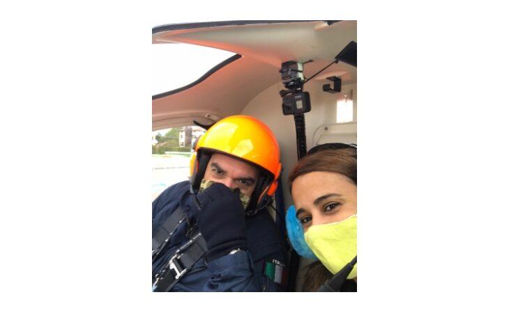 Le impressioni di volo sull'elicottero Zefhir della nostra inviata Francesca Gianstefani: «Non riuscivo a staccare gli occhi dal vetro»