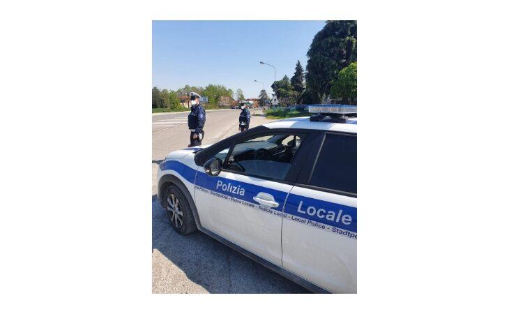 Ubriaco al volante causa incidente sugli Stradelli Guelfi