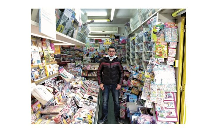 «Un salto in edicola» si sposta in via Galvani ad Ozzano: «Anche Alberto Tomba comprava il giornale qui»