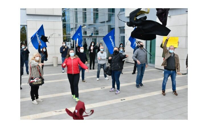Nuovo Dpcm, a Imola le proteste di ristoratori, artigiani e commercianti aderenti a Confartigianato, Cna e Confcommercio