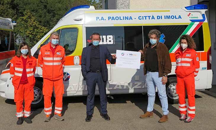 Il sostegno dell'azienda Info Easy per il progetto di Ambulanza gratuita della Pubblica assistenza PaoLina
