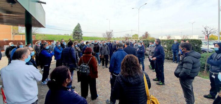 Cefla, i lavoratori della divisione Shopfitting scioperano e l'azienda riconvoca i sindacati