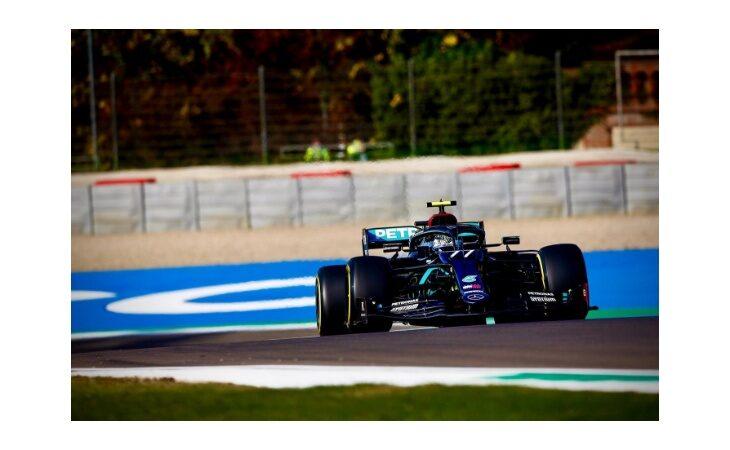 F.1, a Imola la pole position è della Mercedes di Valtteri Bottas