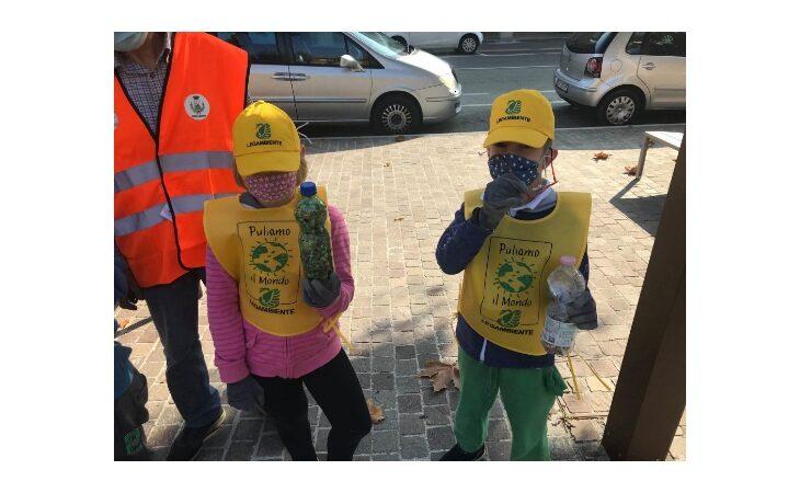 Giornate di pulizia dei parchi pubblici e nuovi posacenere, anche Casalfiumanese e Mordano aderiscono alla campagna dei mozziconi