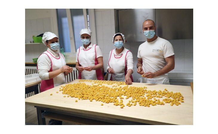 Premio ai cappelletti imolesi del Laboratorio di pasta fresca di Maria Clemente