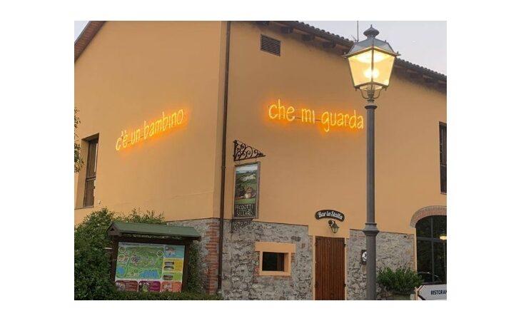Al Villaggio della Salute Più le luminarie con le parole della canzone di Cesare Cremonini
