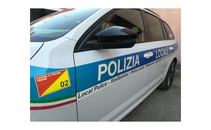 Schianto all'incrocio dell'A14 a Castel San Pietro, grave motociclista