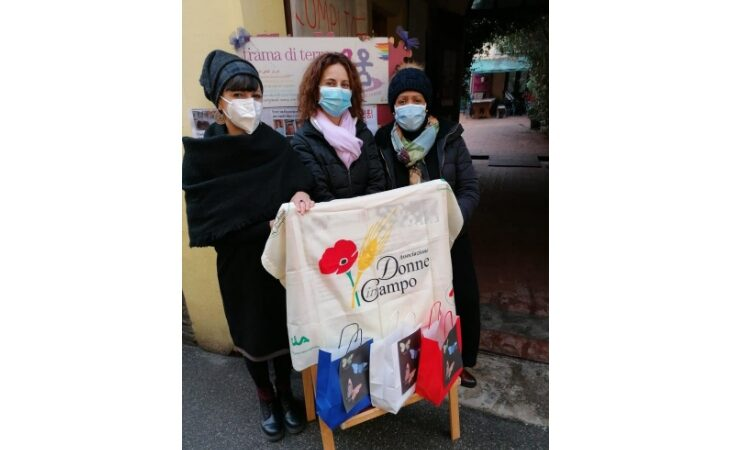 Giornata contro la violenza sulle donne, l'omaggio dell'associazione «Donne in campo»