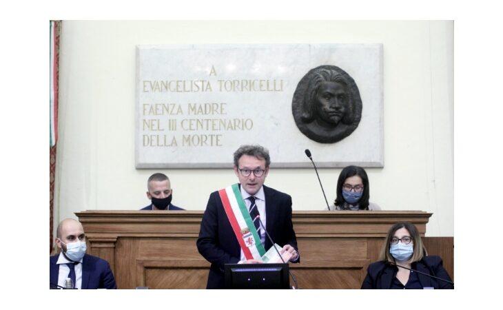 Intervista al sindaco di Faenza Massimo Isola: «Turismo e Motor Valley, un patto con Imola e ConAmi»
