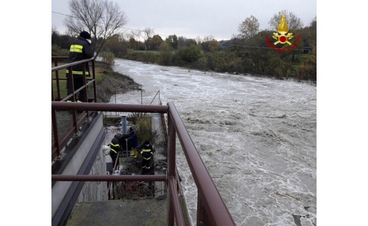 Maltempo, sott'acqua la turbina idroelettrica sul Santerno di via Sbago