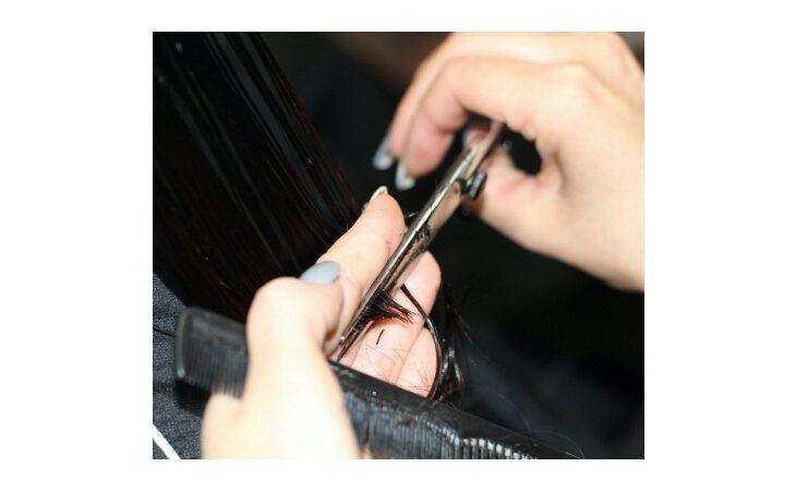 Festa dell'Immacolata, ad Ozzano un'ordinanza tiene aperti acconciatori, barbieri ed estetiste
