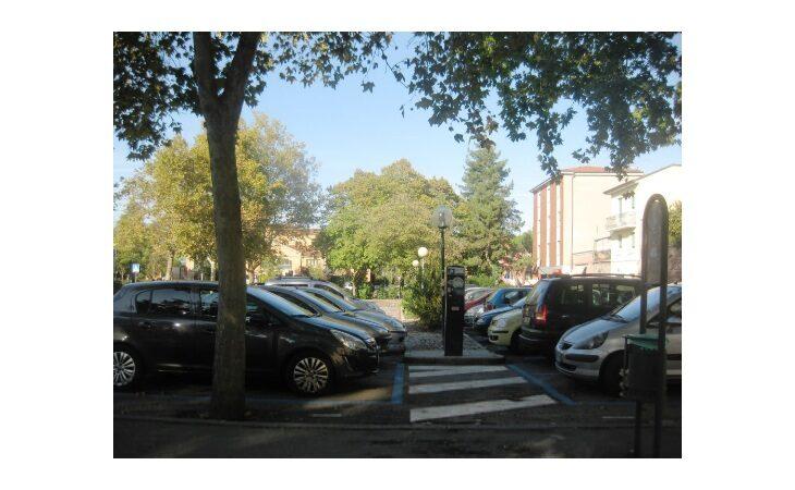 A Castello durante le festività cambiano le modalità di sosta nel parcheggio di via Oberdan