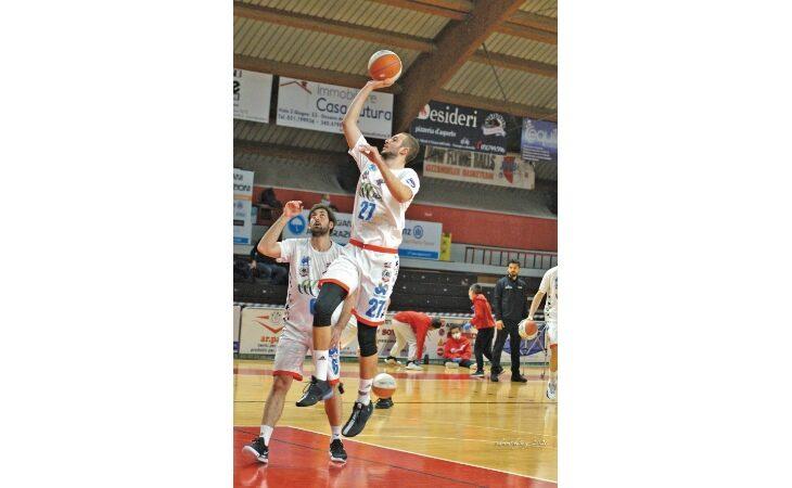 Basket serie B, l'Andrea Costa passeggia ad Alba. Ko per la Sinermatic Ozzano