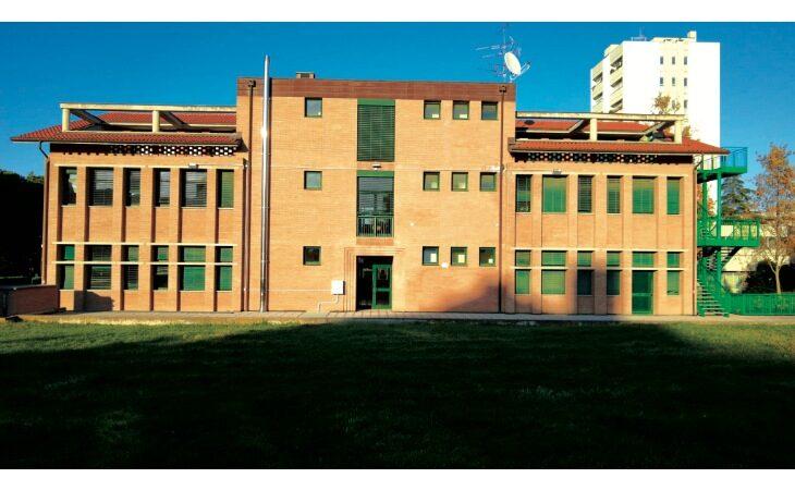Scuola media Panzacchi di Ozzano, il sindaco Lelli: «Trasferimento in biblioteca e soluzioni per le associazioni»