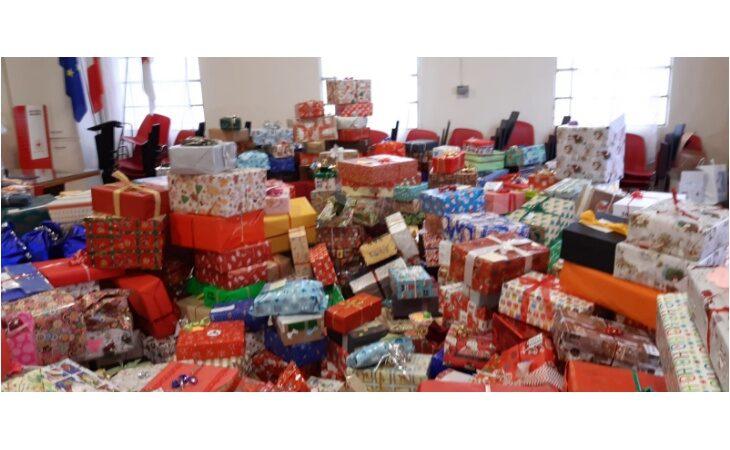 Successo per l'iniziativa imolese «Le scatole di Natale» a sostegno delle famiglie più bisognose