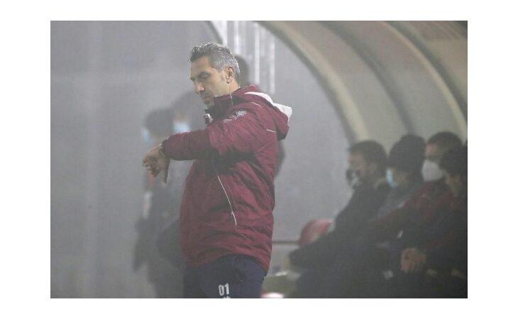 Calcio serie C, l'Imolese esonera il tecnico Roberto Cevoli