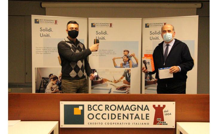 La Bcc Romagna Occidentale dona a tutte le scuole kit professionali per la misurazione rapida della temperatura