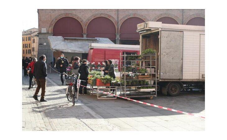 Biblioteche e mercati a Imola, cosa cambia con la «zona rossa»