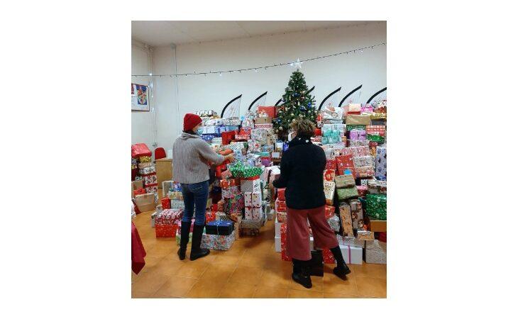 L'iniziativa «Le scatole di Natale» a sostegno dei più bisognosi non si ferma nemmeno per la Befana