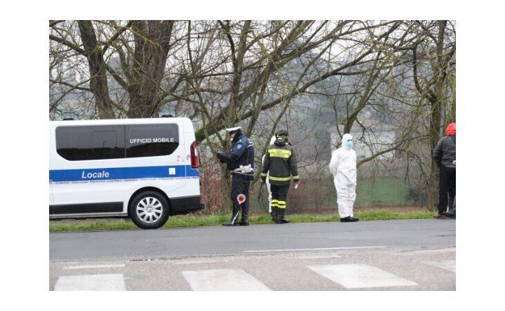 Anziano trovato morto sul lungofiume a Imola