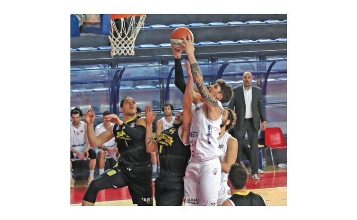Basket serie B, a Rimini il supplementare costa caro all'Andrea Costa