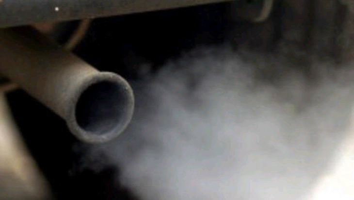 Smog, valori alle stelle: raddoppiano le domeniche ecologiche. Il via da domani anche a Imola e Ozzano