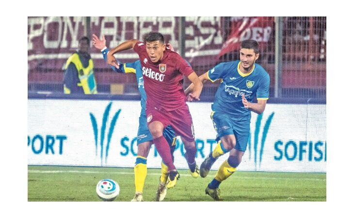 Calcio serie C, il castellano Christian Tommasini alla corte dell'Imolese: «A 5 anni ero giallorosso»