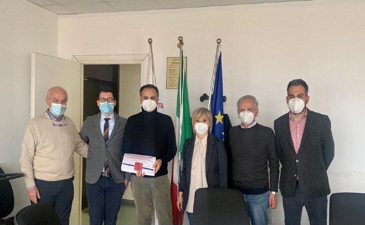 Completamento della Trasversale di pianura, consegnate oggi all'assessore regionale Corsini 2557 firme