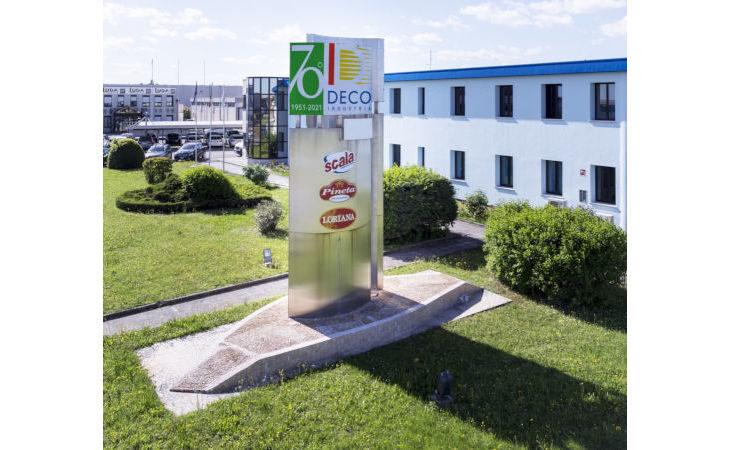 Il gruppo cooperativo Deco Industrie compie 70 anni e li celebra con un logo speciale