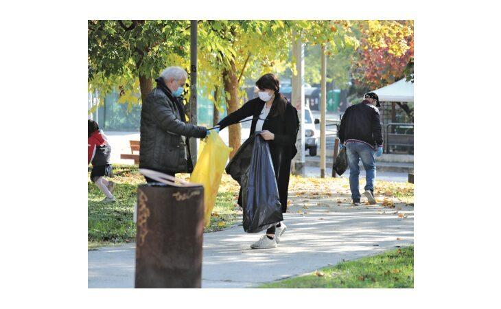 A Imola in arrivo dieci telecamere contro i «furbetti» dei rifiuti