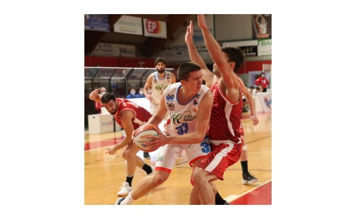 Basket serie B, a casa della capolista la Sinermatic Ozzano non sfigura ma cede alla distanza