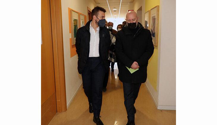 """Coronavirus, 125 nuovi positivi e più ricoveri a Imola. Incidenza più alta della regione. Bonaccini: """"Pronti a provvedimenti più restrittivi, se serve"""""""