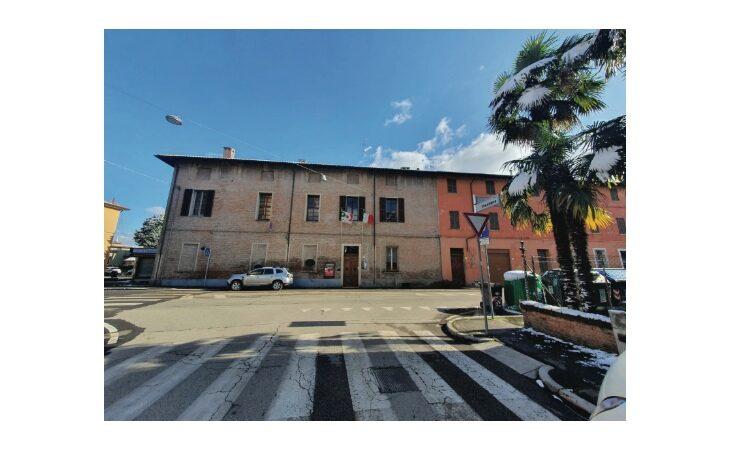 Stucchi e storie di politica, l'ex sede Dc di Imola è in vendita