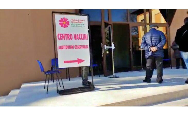 Coronavirus, da oggi aperto il punto vaccinale all'Auditorium dell'Osservanza. IL VIDEO