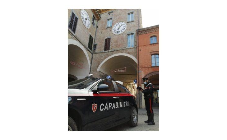 Passeggiano in centro a Imola senza un valido motivo, sanzionate otto persone
