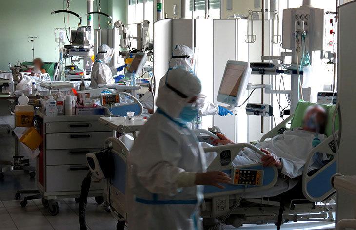 Coronavirus, 96 nuovi positivi, ampliata la terapia intensiva di Imola. In regione cinque morti da 42 a 59 anni