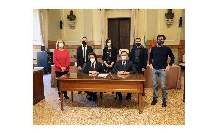 Coronavirus, dal Consiglio comunale di Imola 12 mila euro per chi è più in difficoltà