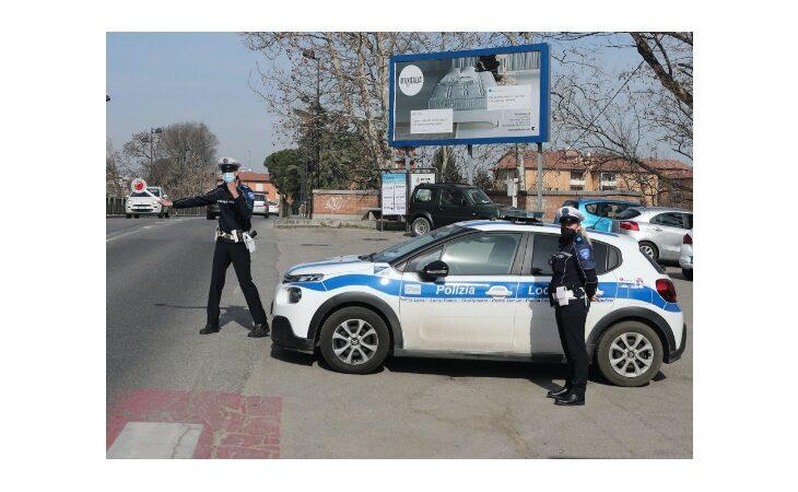 In auto fuori Comune e con oggetti pericolosi nascosti nel veicolo, denunciato trentenne di Castel Bolognese