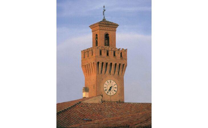 «M'illumino di meno 2021», anche i comuni di Imola e Castel San Pietro aderiscono all'iniziativa