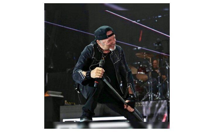 Vasco Rossi cancella gli eventi di giugno, salta anche il concerto all'autodromo di Imola