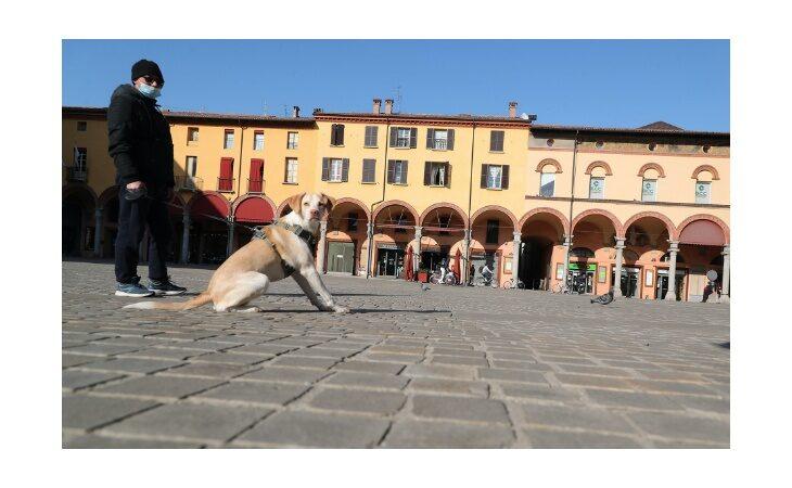 Coronavirus, il ministro Speranza lascia l'Emilia-Romagna ancora in «zona rossa». Dopo Pasqua riaprono le scuole