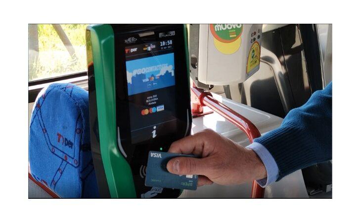 Tper, il biglietto del bus si potrà pagare a bordo anche con carta di credito o bancomat