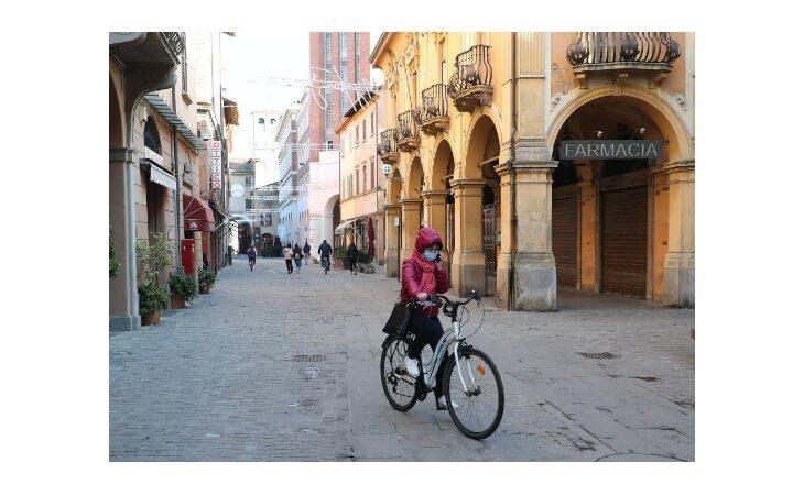 Coronavirus, l'Emilia Romagna resta in zona rossa. Da domani festività pasquali (quasi) blindate