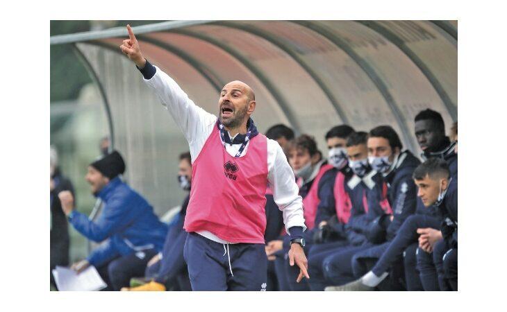 Calcio serie C, esonerato il mister dell'Imolese Pasquale Catalano