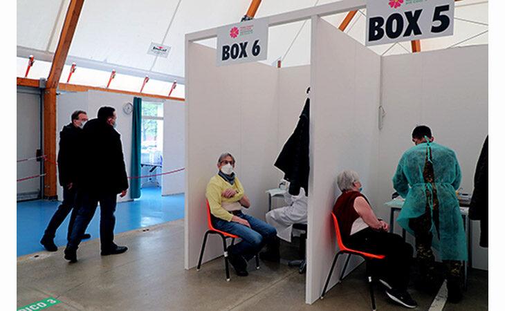 Coronavirus, muore un 57enne a Mordano. I vaccini non arrivano: l'Ausl posticipa 700 richiami. Intanto l'ospedale riparte