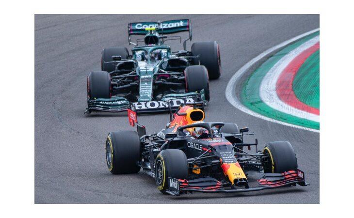 F.1, che vittoria a Imola per Verstappen! Sul podio Hamilton e Norris, 4° Leclerc