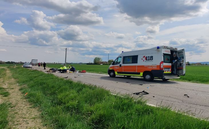 Frontale sugli Stradelli Guelfi a Castel Guelfo, morto un motociclista imolese di 25 anni