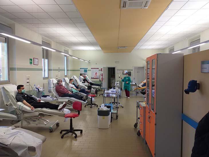 All'Avis di Imola sono in aumento donatori e donazioni, centro di raccolta aperto ancora due domeniche prima della pausa estiva