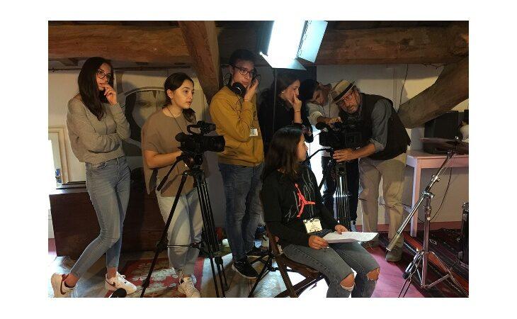 «Mente Locale Young», al via il concorso di produzione audiovisiva per le scuole. In gara anche il film del liceo Rambaldi Valeriani