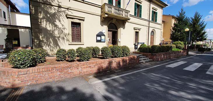 A Casalfiumanese un concorso di idee per riprogettare il giardino di ingresso al municipio